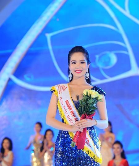 Nhan sắc rạng ngời của Người đẹp Áo dài Hoa hậu Biển Việt Nam 2016 ảnh 9