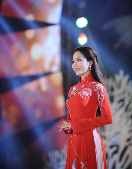 Nhan sắc rạng ngời của Người đẹp Áo dài Hoa hậu Biển Việt Nam 2016 ảnh 5