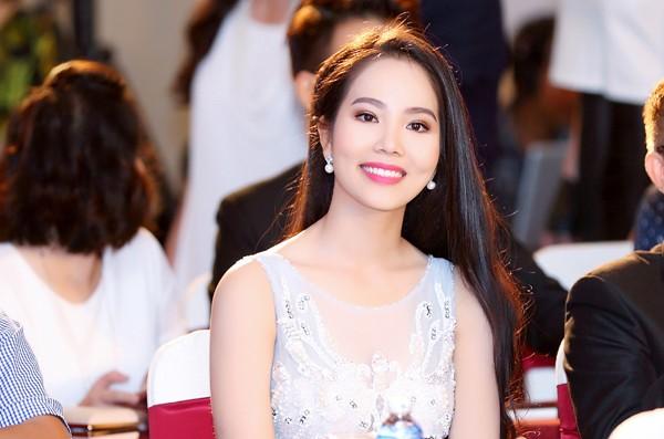 """Người đẹp Áo dài Dương Kim Ánh sẽ """"chinh phục"""" Hoa hậu Việt Nam 2016 ảnh 5"""