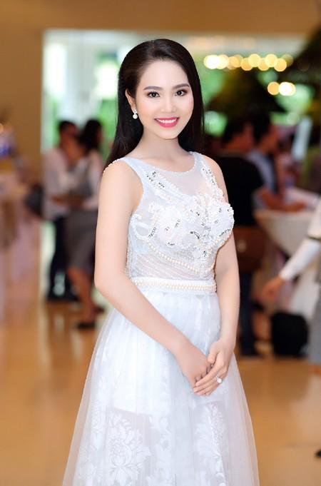 """Người đẹp Áo dài Dương Kim Ánh sẽ """"chinh phục"""" Hoa hậu Việt Nam 2016 ảnh 2"""