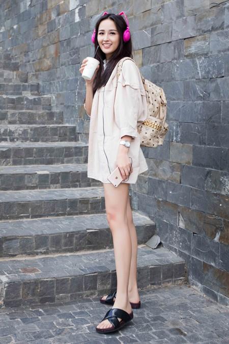 Hoa hậu Mai Phương Thúy ấn tượng với phong cách thời trang năng động