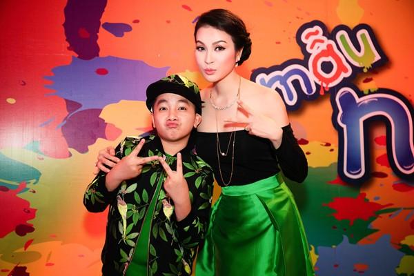 """MC Thanh Mai thay 4 trang phục trên """"ghế nóng"""" ảnh 6"""