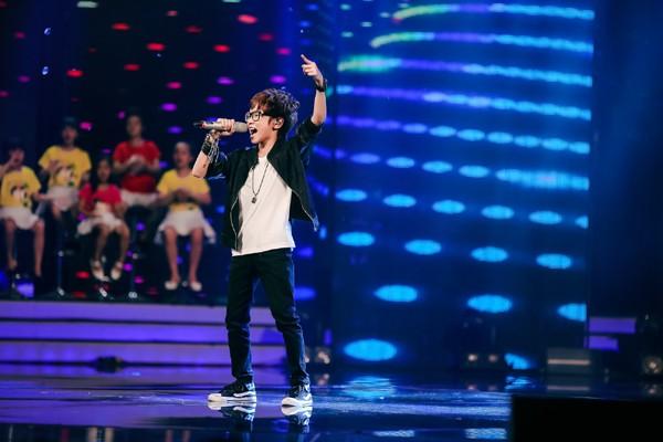 MC Thảo My duyên dáng động viên em ruột trên sân khấu Vietnam Idol Kids ảnh 6