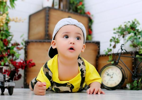 Ca sĩ Khang Duy lần đầu khoe nhóc tì cực dễ thương