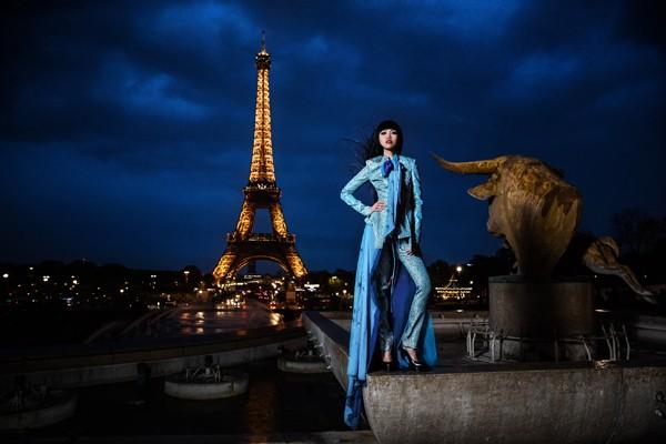 Jessica Minh Anh chuẩn bị thắp sáng sông Seine - Paris