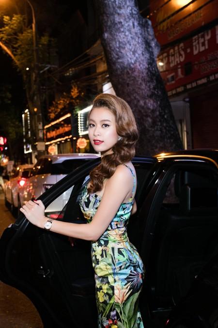 Hoàng Thùy Linh hội ngộ MC Phan Anh tại Hà Nội ảnh 1