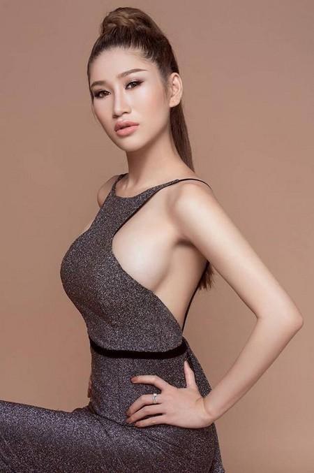 """Người mẫu Quỳnh Thi """"hút hồn"""" với vòng 1 căng tràn gợi cảm ảnh 3"""