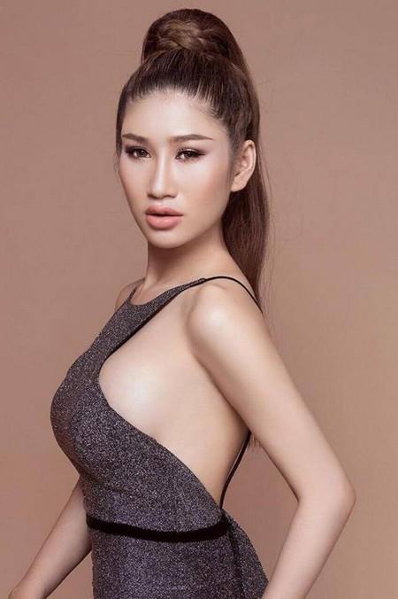 """Người mẫu Quỳnh Thi """"hút hồn"""" với vòng 1 căng tràn gợi cảm ảnh 2"""