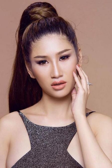 """Người mẫu Quỳnh Thi """"hút hồn"""" với vòng 1 căng tràn gợi cảm ảnh 1"""