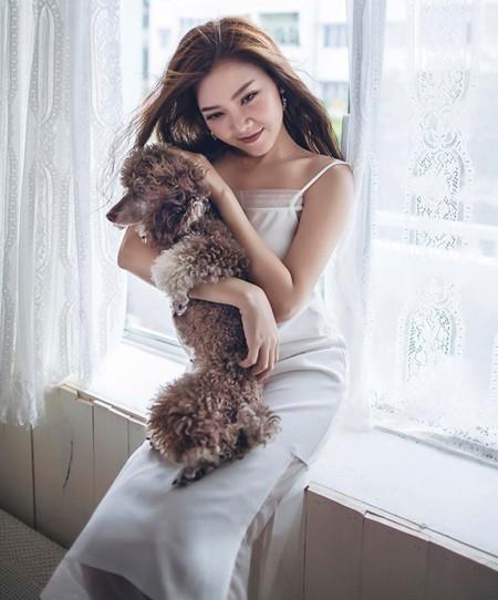 Có khả năng hát đa dạng các thể loại, từ nhạc trẻ, nhạc xưa đến nhạc cách mạng, sự nghiệp solo của Thanh Ngọc đạt được thành công nhất định khi các ca khúc cô tung ra liên tục trở thành hit.