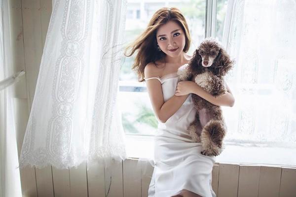 Mặc dù đã có thâm niên gần 20 năm ca hát nhưng trong mắt khán giả, Thanh Ngọc vẫn chỉ là giọng ca tuổi teen.