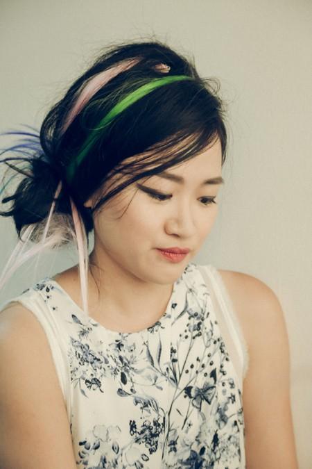 """Trong một buổi chụp hình chính thức cho Vietnam's Next Top Model theo concept punk rock được lên ý tưởng bởi chính giám khảo Hà Đỗ, """"bộ tứ quyền lực"""" đã """"chịu chơi"""" mang đến những hình ảnh phá cách và quái dị nhất từ trước đến giờ, với lối trang điểm môi thâm đang hot hiện nay và những light tóc nhiều màu được sử dụng triệt để."""