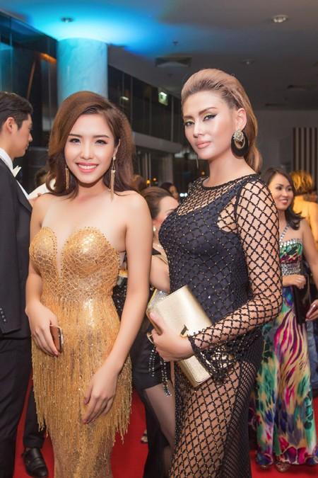 Á hậu Khánh Phương đọ sắc cùng dàn mỹ nhân thảm đỏ