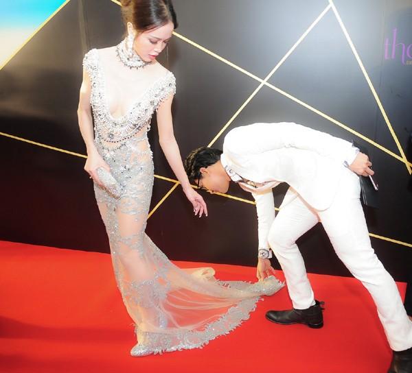 """Diện đầm xuyên thấu, Vũ Ngọc Anh nổi bật trên thảm đỏ """"Đêm hội chân dài"""""""