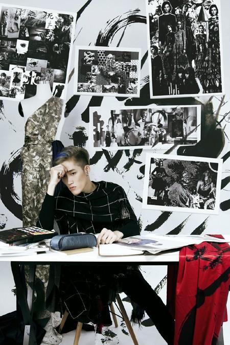 NTK Nguyễn Tiến Truyển tung ảnh tự làm người mẫu ấn tượng ảnh 4