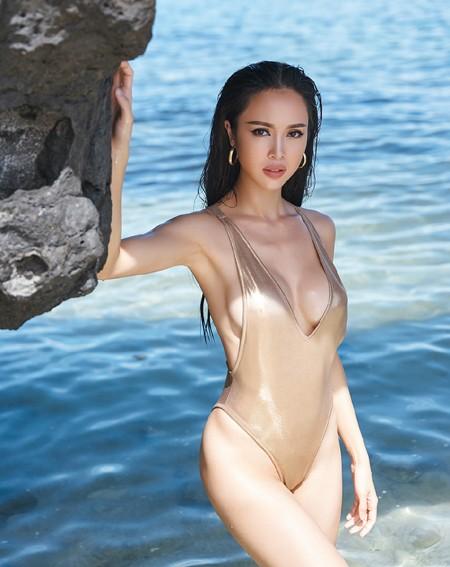 """""""Bỏng mắt"""" ngắm Vũ Ngọc Anh khoe đường cong với bikini tự thiết kế ảnh 8"""