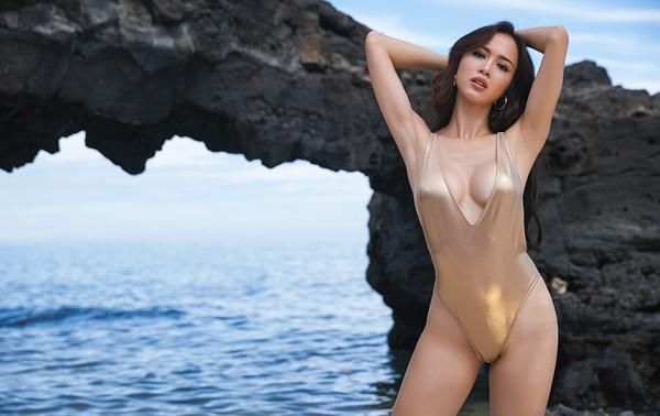 """""""Bỏng mắt"""" ngắm Vũ Ngọc Anh khoe đường cong với bikini tự thiết kế ảnh 10"""