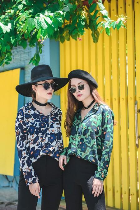 Chị em Yến Trang - Yến Nhi diện thời trang cá tính dạo phố ảnh 1