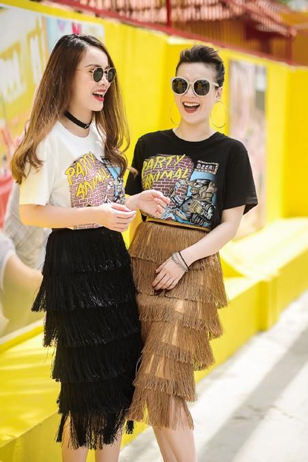 Chị em Yến Trang - Yến Nhi diện thời trang cá tính dạo phố ảnh 6