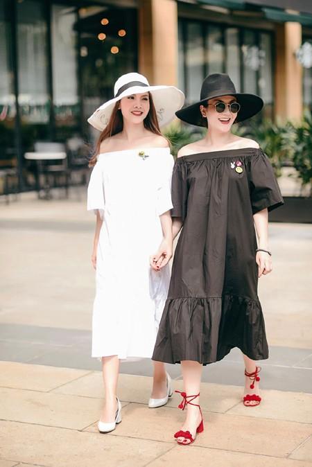 Chị em Yến Trang - Yến Nhi diện thời trang cá tính dạo phố ảnh 2