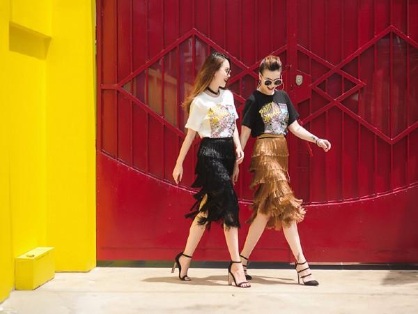 Chị em Yến Trang - Yến Nhi diện thời trang cá tính dạo phố ảnh 4