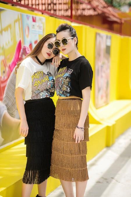 Chị em Yến Trang - Yến Nhi diện thời trang cá tính dạo phố ảnh 5