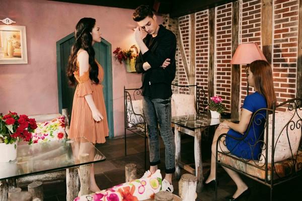 """Nhật Kim Anh """"khoá môi"""" bạn diễn người Ý trong MV mới ảnh 7"""
