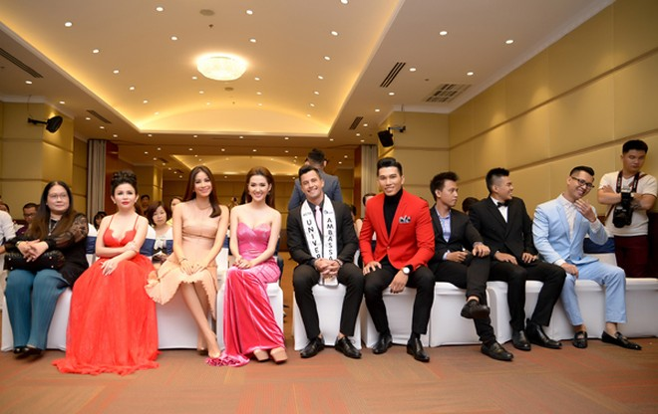 Siêu mẫu Ngọc Tình đại diện Việt Nam tranh giải Nam vương Đại sứ Hoàn vũ ảnh 3