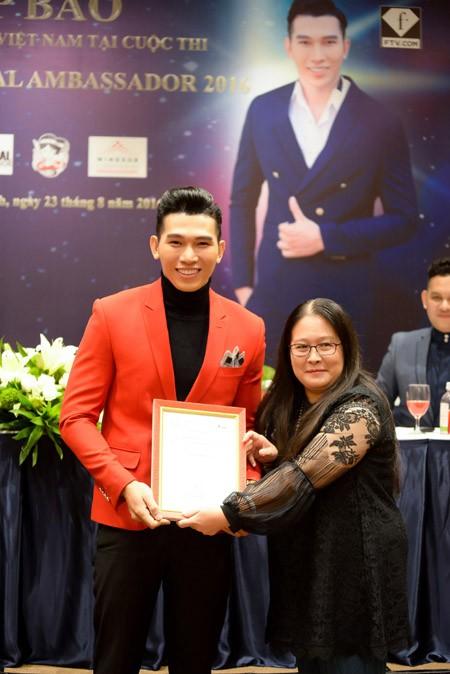 Siêu mẫu Ngọc Tình đại diện Việt Nam tranh giải Nam vương Đại sứ Hoàn vũ ảnh 4