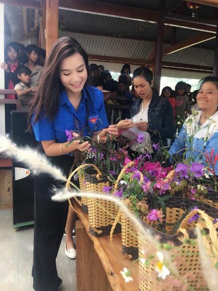 Lương Giang được biết đến là cô gái đa tài và có duyên với nghệ thuật ở nhiều lĩnh vực: điện ảnh, hội hoạ…