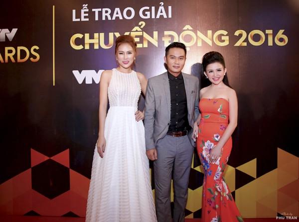 Janny Thủy Trần rạng ngời trên thảm đỏ VTV Awards ảnh 8