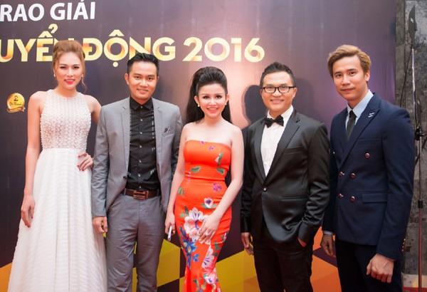 Janny Thủy Trần rạng ngời trên thảm đỏ VTV Awards ảnh 4