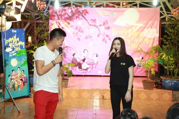 Trọng Hiếu, Hoà Minzy và Rocker Nguyễn vui Trung thu cùng trẻ em cơ nhỡ ảnh 5