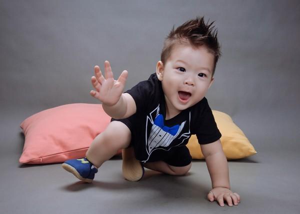 Nhật Kim Anh khoe ảnh nhóc tì cực đáng yêu
