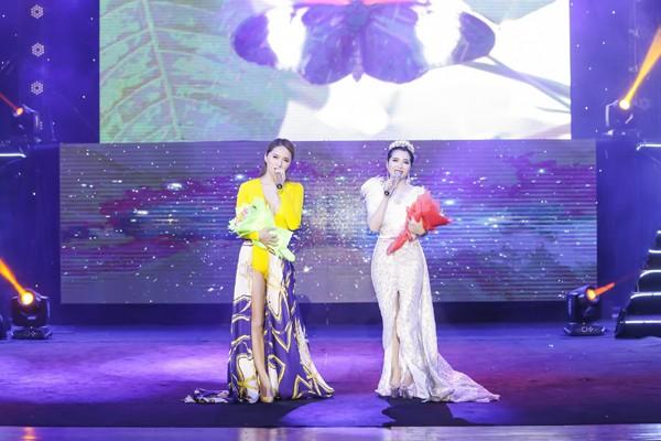 Minh Trang Ly Ly khóc trong liveshow khi hát ca khúc về cha ảnh 6