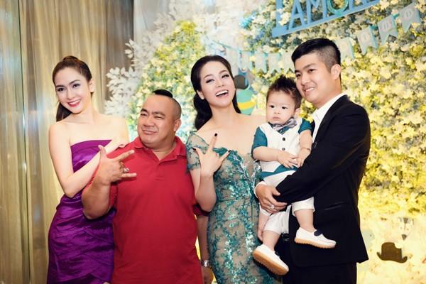 """""""Sao Việt"""" tấp nập chúc mừng sinh nhật bé Putin ảnh 9"""