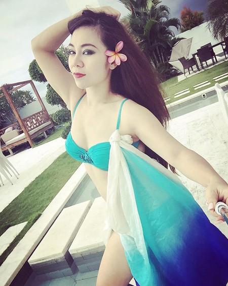 """""""Cô gái vàng"""" bellydance Việt Nam khoe """"ảnh nóng"""" ở Bali ảnh 2"""