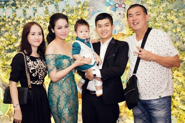 """""""Sao Việt"""" tấp nập chúc mừng sinh nhật bé Putin ảnh 4"""