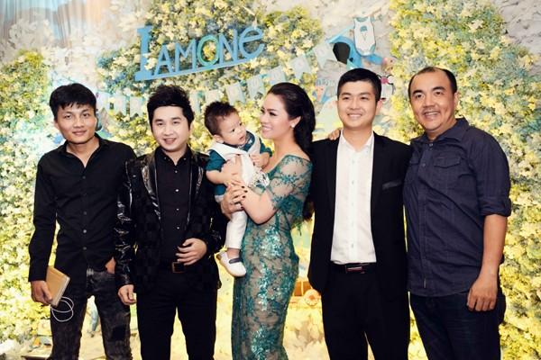 """""""Sao Việt"""" tấp nập chúc mừng sinh nhật bé Putin ảnh 6"""