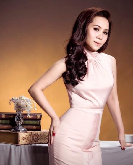 Nữ hoàng Doanh nhân Kim Chi khoe vẻ đẹp mặn mà đầy quyến rũ ảnh 1