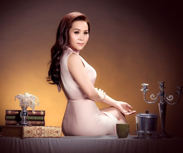 Nữ hoàng Doanh nhân Kim Chi khoe vẻ đẹp mặn mà đầy quyến rũ ảnh 6