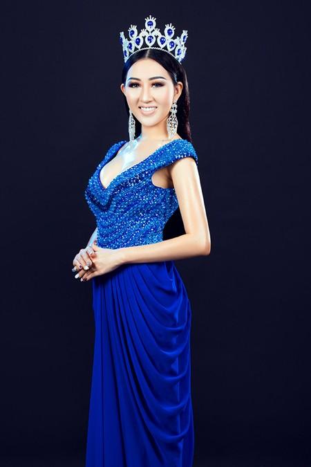 Hoa hậu Huỳnh Thuý Anh tái xuất sau thời gian du học ảnh 4