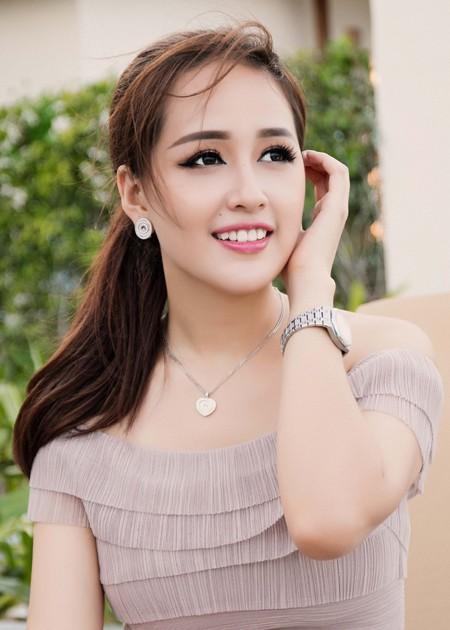 """Sau nghi án """"sửa ảnh"""", Hoa hậu Mai Phương Thuý tiếp tục khoe vẻ gợi cảm ảnh 1"""