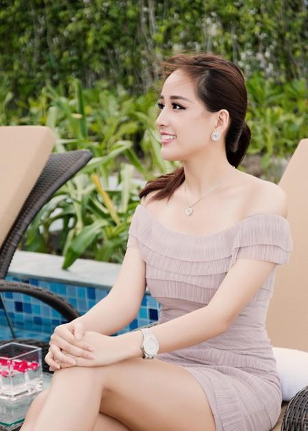 """Sau nghi án """"sửa ảnh"""", Hoa hậu Mai Phương Thuý tiếp tục khoe vẻ gợi cảm ảnh 2"""