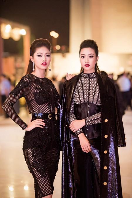 Choáng ngợp với phong cách thời trang ấn tượng của Hoa hậu Mỹ Linh tại VIFW 2016 ảnh 10