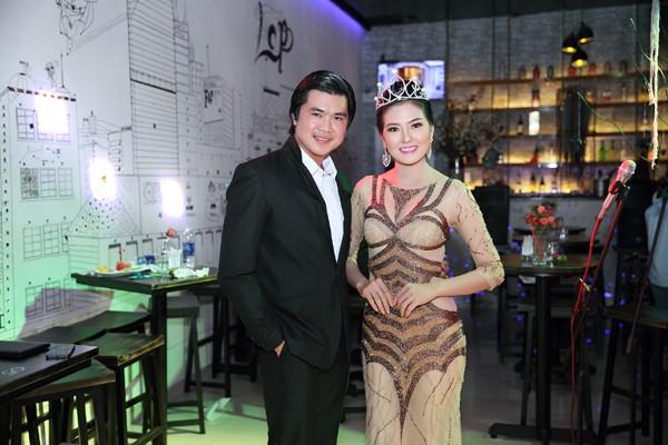 Hoa hậu Kim Thoa gây ấn tượng với mini liveshow bolero đầu tay ảnh 2
