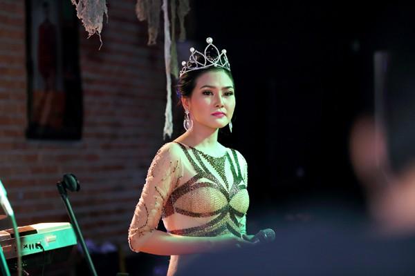 Hoa hậu Kim Thoa gây ấn tượng với mini liveshow bolero đầu tay ảnh 9