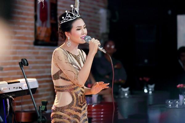 Hoa hậu Kim Thoa gây ấn tượng với mini liveshow bolero đầu tay ảnh 5
