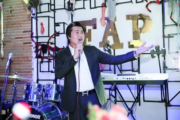 Hoa hậu Kim Thoa gây ấn tượng với mini liveshow bolero đầu tay ảnh 7
