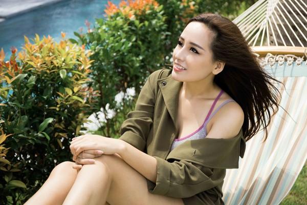 Hoa hậu Mai Phương Thuý gợi cảm bên biển Nha Trang ảnh 7